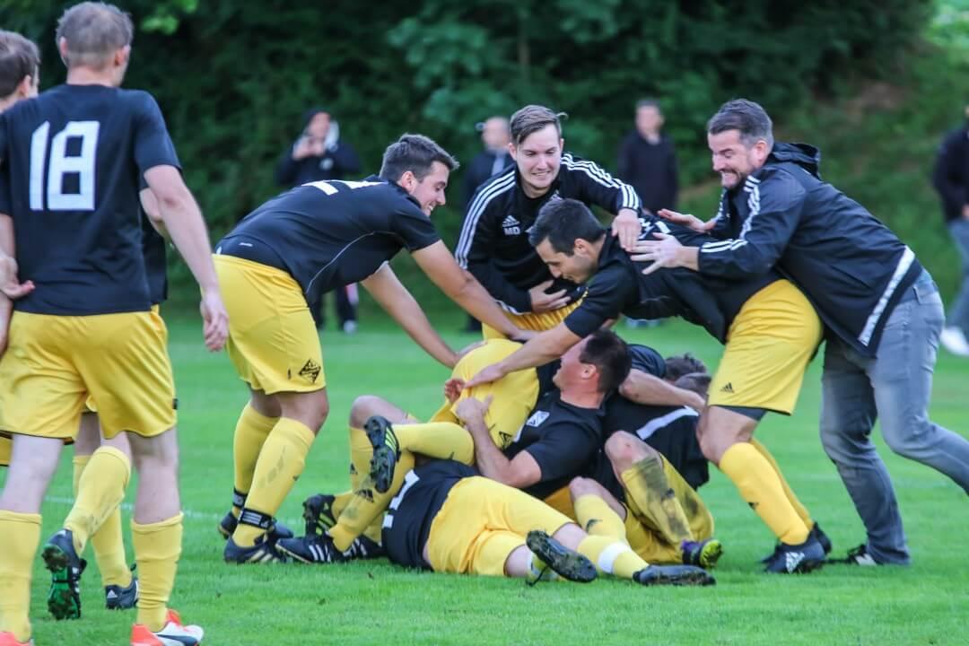 Nörtens Reserve gewinnt Kreisklassenfinale im Elfmeterschießen gegen Inter Amed