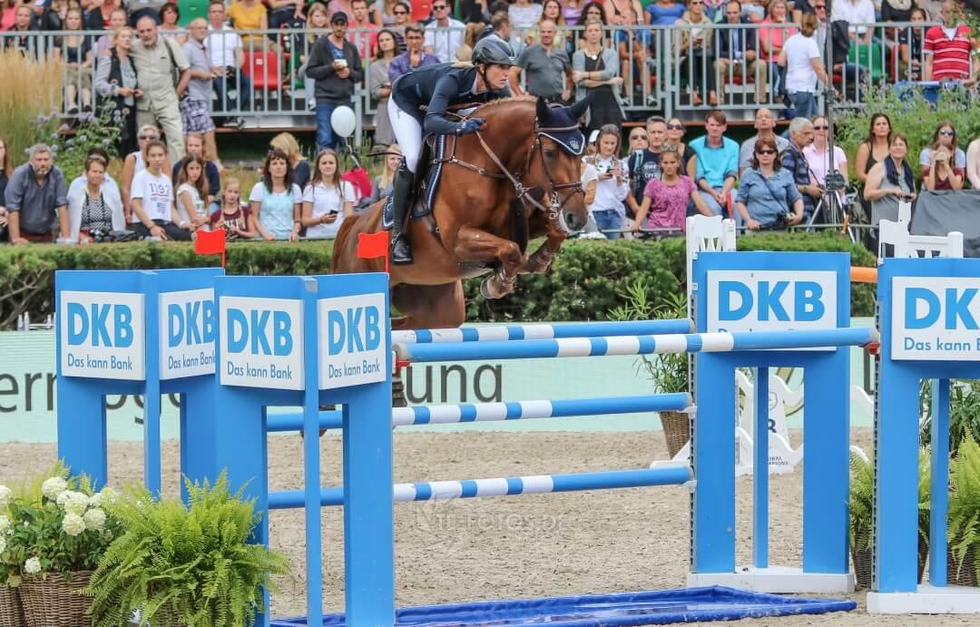 Simone Blum sorgt auf DSP Alice für einen Deutschen Doppelsieg und landet nur knapp hinter Christian Ahlmann
