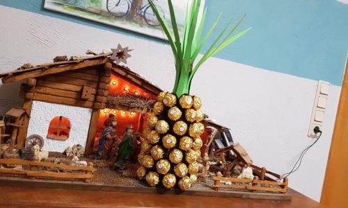 Ananas aus Sektflasche und Rocher DIY do it yourself - Geschenkidee